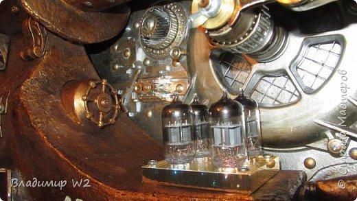 Материалы: Пластик, металл, папье-маше, лампы, краски, ПВА, винтики-болтики...  фото 36