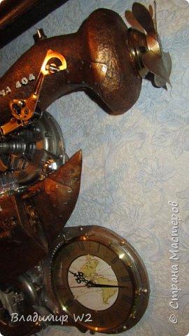 Материалы: Пластик, металл, папье-маше, лампы, краски, ПВА, винтики-болтики...  фото 37