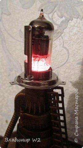 Материалы: Пластик, металл, папье-маше, лампы, краски, ПВА, винтики-болтики...  фото 39