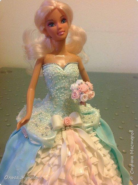 Всем доброго времени суток! Хочу показать мой новый тортик)) Принцесса. Внутри ванильный бисквит, молочная пропитка, творожный крем с кусочками ананаса.  фото 5