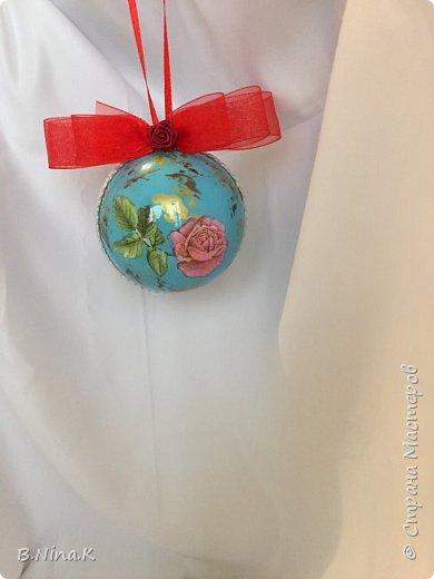 Приветствую всех жителей Страны Мастеров! Я к вам с новыми шарами. Продолжаю подготовку к Новому году. Шары пластик, разъемные.Обратный декупаж. фото 7