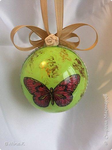 Приветствую всех жителей Страны Мастеров! Я к вам с новыми шарами. Продолжаю подготовку к Новому году. Шары пластик, разъемные.Обратный декупаж. фото 5