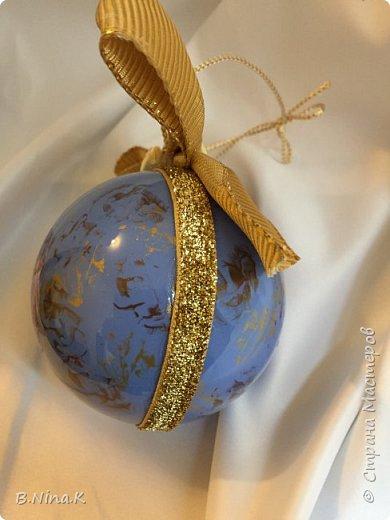 Приветствую всех жителей Страны Мастеров! Я к вам с новыми шарами. Продолжаю подготовку к Новому году. Шары пластик, разъемные.Обратный декупаж. фото 12