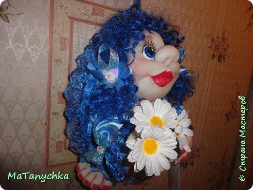 Бабушка Танюше  Куклу подарила:  Глазки голубые  И румянец милый.  Светлая головка,  Маленькие ножки,  Платье кружевное,  Ну ,а где сапожки?…  фото 3