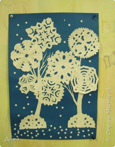 """Привет всем! Хочу вам показать мои новые рисунки . Первый рисунок называется """"Зимний лес"""". Сделана по технике аппликация.  фото 1"""