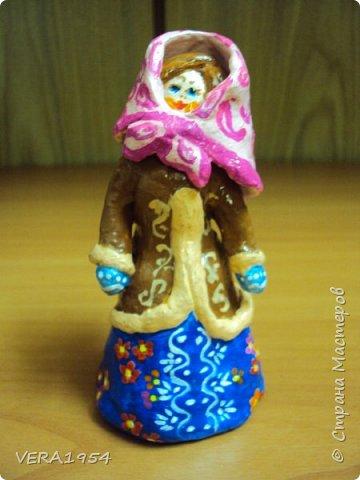 Добрый день, Страна! Продолжаю знакомить вас с нашими игрушками.   Ковровская глиняная игрушка - народный промысел, который образовался в районе  г. Коврова, на берегах Клязьмы. Возродившаяся в 90-е годы прошлого столетия, ковровская игрушка  завоевала любовь и признание во всем мире, покоряя сердца детей и взрослых своей красочностью, разнообразием сюжетов, добрым юмором. фото 7