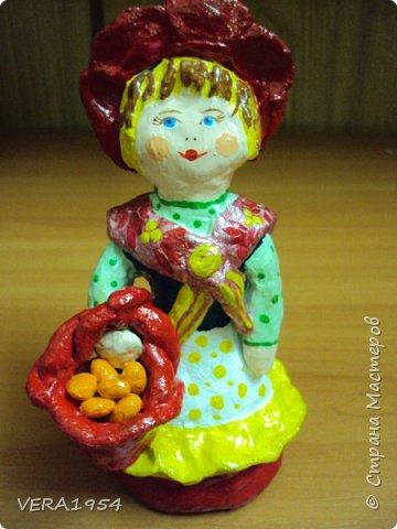 Добрый день, Страна! Продолжаю знакомить вас с нашими игрушками.   Ковровская глиняная игрушка - народный промысел, который образовался в районе  г. Коврова, на берегах Клязьмы. Возродившаяся в 90-е годы прошлого столетия, ковровская игрушка  завоевала любовь и признание во всем мире, покоряя сердца детей и взрослых своей красочностью, разнообразием сюжетов, добрым юмором. фото 3