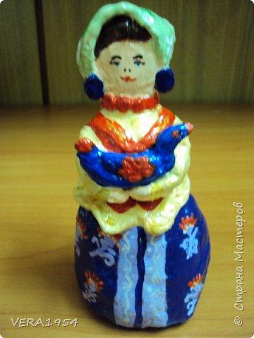 Добрый день, Страна! Продолжаю знакомить вас с нашими игрушками.   Ковровская глиняная игрушка - народный промысел, который образовался в районе  г. Коврова, на берегах Клязьмы. Возродившаяся в 90-е годы прошлого столетия, ковровская игрушка  завоевала любовь и признание во всем мире, покоряя сердца детей и взрослых своей красочностью, разнообразием сюжетов, добрым юмором. фото 5