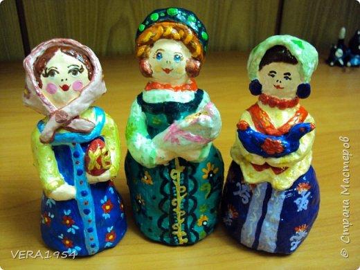 Добрый день, Страна! Продолжаю знакомить вас с нашими игрушками.   Ковровская глиняная игрушка - народный промысел, который образовался в районе  г. Коврова, на берегах Клязьмы. Возродившаяся в 90-е годы прошлого столетия, ковровская игрушка  завоевала любовь и признание во всем мире, покоряя сердца детей и взрослых своей красочностью, разнообразием сюжетов, добрым юмором. фото 8