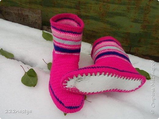 Здравствуйте, дорогие рукодельницы. Очень долго не показывала свои работы и вот решилась. Как раз сегодня у нас выпал первый снег. Пора утепляться на зиму.  фото 3