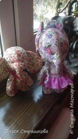 Всем доброго времени суток!!!  Представляю вам Милых, тряпичных, маленьких слоников! На пуговичном креплении. Подвижные. Могут стоять , сидеть и даже лежать. фото 1