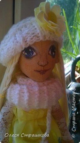 Тыквоголовка. Тряпичная куколка. Милая блондинка Алиса. На пуговичном креплении. Волосики-трассы для кукол. Ручки и ножки подвижные. Вся одежда снимается.  Стоит на подставочке.  фото 1