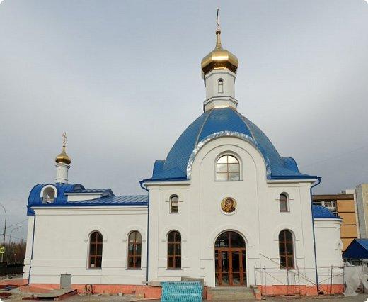 Церковь Илии Пророка в Северном Бутово Церковь. Действует.    Престолы:Илии Пророка  фото 3