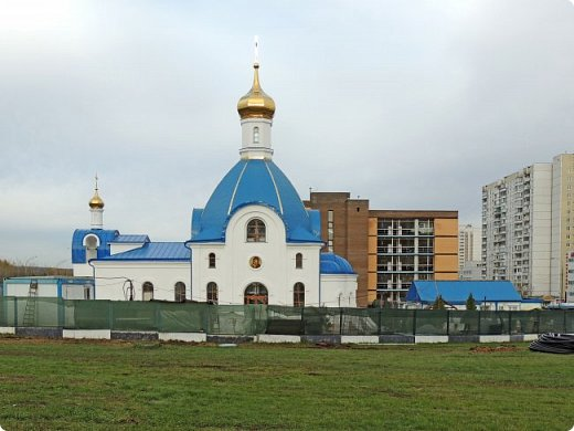 Церковь Илии Пророка в Северном Бутово Церковь. Действует.    Престолы:Илии Пророка  фото 9