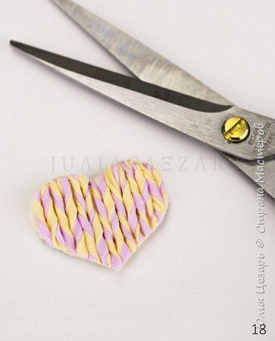 Небольшой мастер-класс по созданию вязаного сердечка из фоамирана. Такие сердечки применимы в декоре. Также их можно использовать в качестве броши, резинки, заколки и т.д. В МК я показываю как сделать именно такое сердечко, но Вы можете использовать любые формы, размеры и цвета))) (Можно использовать обрезки фоамирана;)) фото 19
