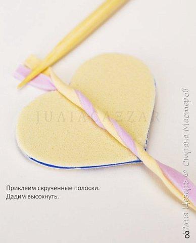 Небольшой мастер-класс по созданию вязаного сердечка из фоамирана. Такие сердечки применимы в декоре. Также их можно использовать в качестве броши, резинки, заколки и т.д. В МК я показываю как сделать именно такое сердечко, но Вы можете использовать любые формы, размеры и цвета))) (Можно использовать обрезки фоамирана;)) фото 9