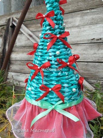 Добрый день!  Сегодня хочу поделиться своей ёлочкой. Очень мне нравится!  В традиционно новогодних цветах. фото 4