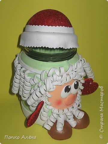 """Приветствую, жителей Страны Мастеров! Представляю Вам игрушки из фоамирана. Баночка для хранения конфет """"Дед Мороз"""". фото 3"""