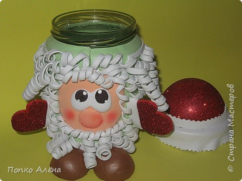 """Приветствую, жителей Страны Мастеров! Представляю Вам игрушки из фоамирана. Баночка для хранения конфет """"Дед Мороз"""". фото 4"""