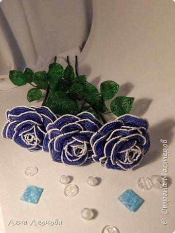 Начну с роз. Розы выполнены на совместном плетении под руководством Маины Азизовой. фото 3
