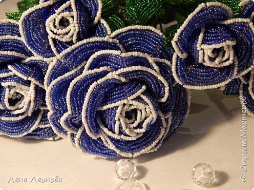 Начну с роз. Розы выполнены на совместном плетении под руководством Маины Азизовой. фото 5