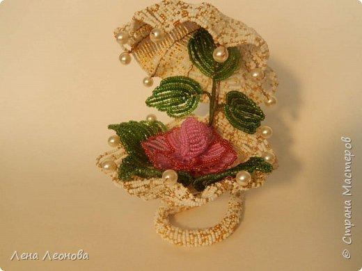 Начну с роз. Розы выполнены на совместном плетении под руководством Маины Азизовой. фото 11