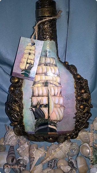 """День добрый! Есть еще одна работа, которую хотела бы показать вам. Бутылка с парусником (точнее называется БАРК) """"Крузенштерн"""" сделана в подарок на 20-ти летие сыну моих друзей. Мальчик закончил среднюю мореходку и собирается в армию (точнее на флот). Во время обучения ходил в учебный рейс на """"Крузенштерне"""". Вот такая морская бутылочка получилась. фото 9"""