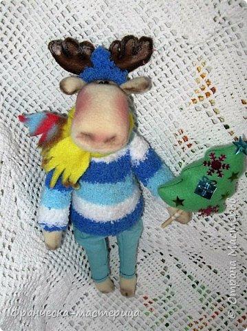 Здравствуйте, дорогие жители СМ!!! Я продолжаю готовиться к празднику и нашила немного лосиков. Выкройка из инета. Простейшая. Шила из флиса. фото 1