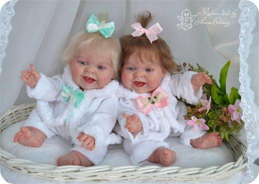 """Здравствуйте, девочки-мастерицы!Я к вам с новорожденными сестричками, вчера """"родились"""". Малышки по 35см, вес каждой по 1 кг. Очень позитивные, поднимающие настроение, пухленькие, тискательные, хоть и маленькие. Поглядите- Оленька и Алёнка. фото 4"""