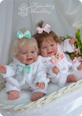 """Здравствуйте, девочки-мастерицы!Я к вам с новорожденными сестричками, вчера """"родились"""". Малышки по 35см, вес каждой по 1 кг. Очень позитивные, поднимающие настроение, пухленькие, тискательные, хоть и маленькие. Поглядите- Оленька и Алёнка. фото 5"""