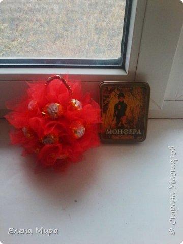 """Мини-букетик в чайной паре из 7 роз. Состав: конфеты """"Марсианка"""" кокосовый пудинг фото 6"""