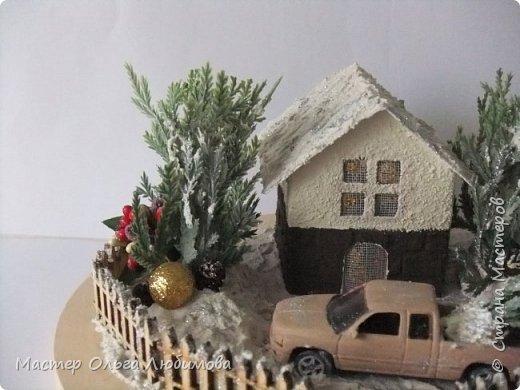 """""""По душе ходило весёлым ветром самое прекрасное и душистое на свете слово — «Рождество». Оно пахло вьюгой и колючими хвойными лапками."""" """"Рождество стояло у окна и рисовало на стёклах морозные цветы, ждало, когда в доме вымоют полы, расстелют половики, затеплят лампады перед иконами и впустят Его…"""" (Василий Акимович Никифоров-Волгин, сборник """"Серебряная метель"""")  фото 2"""