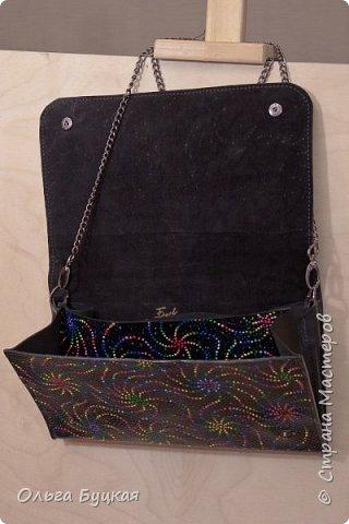 Приветствую всех заглянувших! :) Новый клатчик из натуральной кожи с фантазийной точечной росписью. фото 3