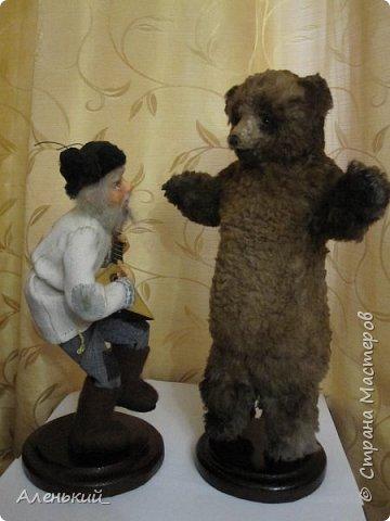 """Продолжаю тему """" На ярмарке"""".Дедок с медведем и зрители. фото 3"""