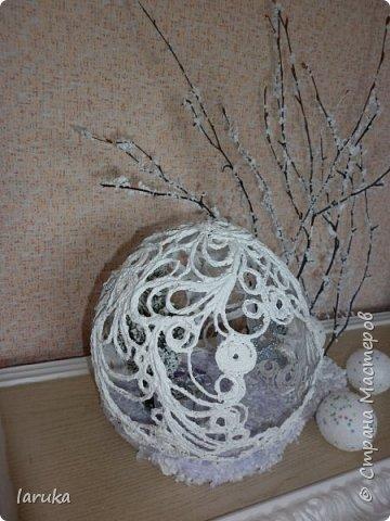 """Шар в технике """"джутовая филигрань"""", диаметр 19 см. Захотелось сделать новогоднюю композицию на камин. Вот что получилось. фото 5"""