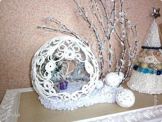 """Шар в технике """"джутовая филигрань"""", диаметр 19 см. Захотелось сделать новогоднюю композицию на камин. Вот что получилось. фото 6"""