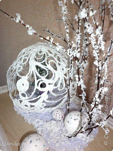 """Шар в технике """"джутовая филигрань"""", диаметр 19 см. Захотелось сделать новогоднюю композицию на камин. Вот что получилось. фото 7"""