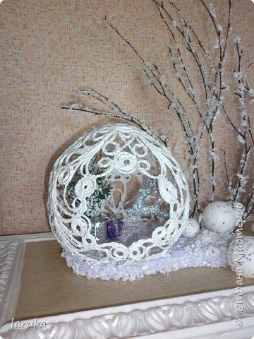 """Шар в технике """"джутовая филигрань"""", диаметр 19 см. Захотелось сделать новогоднюю композицию на камин. Вот что получилось. фото 9"""