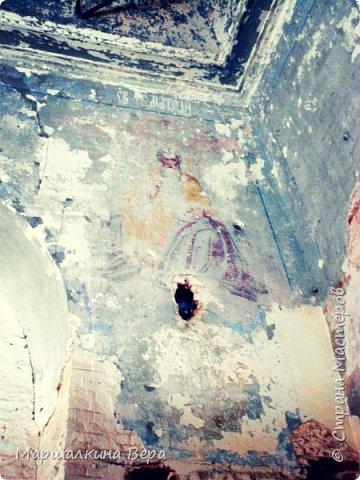 Как и обещала в прошлом репортаже, вновь посетила Щекинский район Тульской области. Вернулась с малой родины с красивыми фотографиями и интересными историями, которыми и спешу с вами поделиться.  На фото Церковь Покрова Пресвятой Богородицы в селе Новоникольское( подробнее о ней написано в прошлом репортаже  http://stranamasterov.ru/node/1056009 ). фото 19