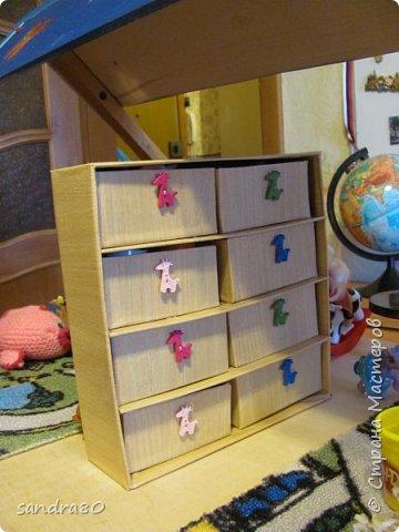 Вот такой домик из фанеры сделал для моих дочек дедушка. фото 3