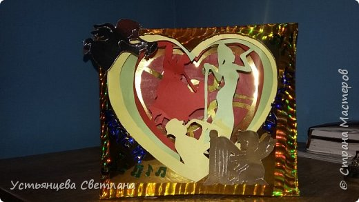 У меня получилось 5 слоев-картинок:  1. Скрипичный ключ и нотки...но их почти не видно... 2. Пара танцующая танго 3. Певица с микрофоном 4. Саксофонист 5. Ну и конечно ангелы и надпись, символизирующая что творчество в любом его проявлении остается в сердце... фото 2