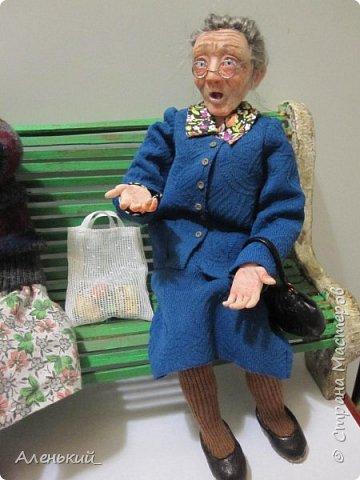 Собрались две старушки-бабульки на скамеечке, и давай перемывать всем косточки! фото 3