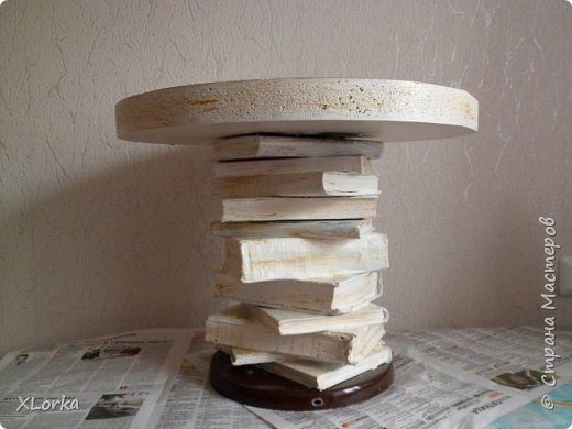 Стол из ненужных вещей фото 1