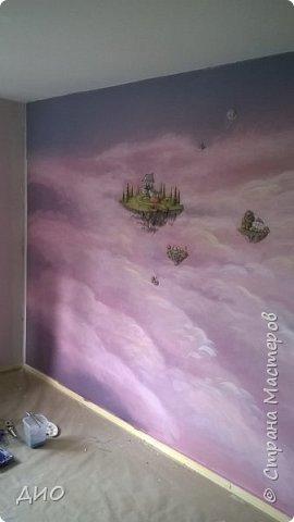 Роспись стены в детской комнате. Стена 4.5Х2.3 метра. Снято на мобильный, так что прошу прощения за качество фото. фото 25
