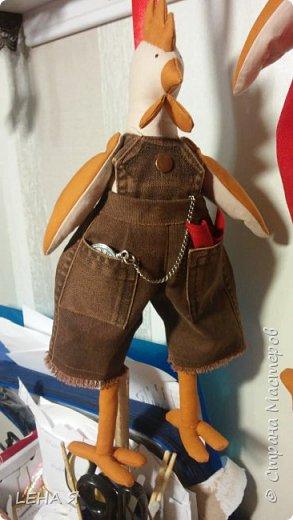 Готовимся к новому году....шила по классической выкройки Тильды петушка, только гребень изменила и ноги потолше ..... фото 3