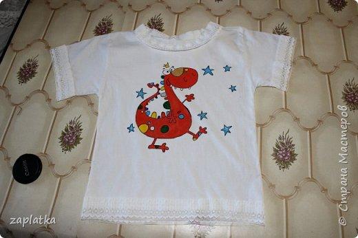 решила попробовать расписать доче футболку.. так сказать набивала руку.. красками декола по ткани и спец. контуром.. фото 2