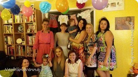 """Всем огромный привет! На днях я проводила тематическую вечеринку, о которой хочу вам рассказать и показать :) Называлась она Baby Shower. Та-дамммм! да-да-да - я снова скоро буду мамой! :) Surprise.... :) """"Baby shower, дословно — «младенческий дождь») — обычай устраивать вечеринку для будущей матери и праздновать рождение будущего ребёнка. В современном виде бейби шауэр начал практиковаться в США после Второй мировой войны, а под влиянием американской культуры постепенно набирал и продолжает набирать популярность в ряде европейских стран. Выражение baby shower подразумевает, что виновницу праздника в переносном смысле забрасывают подарками (англ. the mother is showered with gifts, дословно — «мать облита подарками»).История его началась ещё в древнем Египте, но в современном виде этот обычай появился в конце XIX века (wikipedia.org) фото 16"""