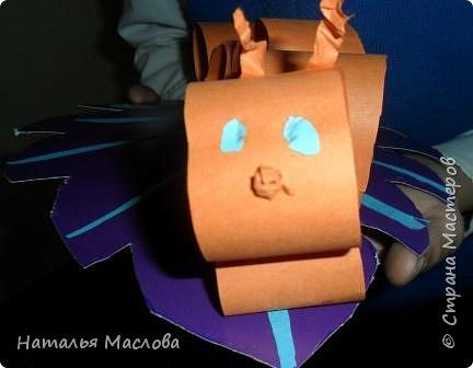Идею подсмотрели на moi-detki.ru Работы выполнены первоклассниками. На первом уроке делаем из картона листик, разметка по шаблону. фото 10