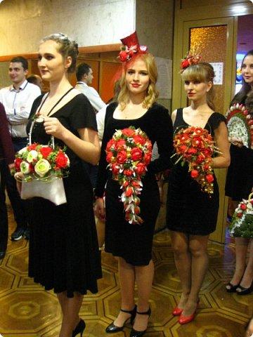 Всем большой привет! Сегодня состоялся в Москве фестиваль свит-дизайна и я спешу показать вам то, что мне удалось сфоткать (основные групповые самые интересные фотки у ВикиА) Это основной зал в котором и проходило всё это мероприятие.... ожиданий конечно это заведение не оправдало.... слишком громкое название, а организация на нуле... фото 29
