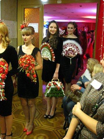 Всем большой привет! Сегодня состоялся в Москве фестиваль свит-дизайна и я спешу показать вам то, что мне удалось сфоткать (основные групповые самые интересные фотки у ВикиА) Это основной зал в котором и проходило всё это мероприятие.... ожиданий конечно это заведение не оправдало.... слишком громкое название, а организация на нуле... фото 30
